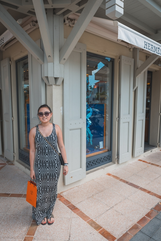 Jessica Shopping in Gustavia