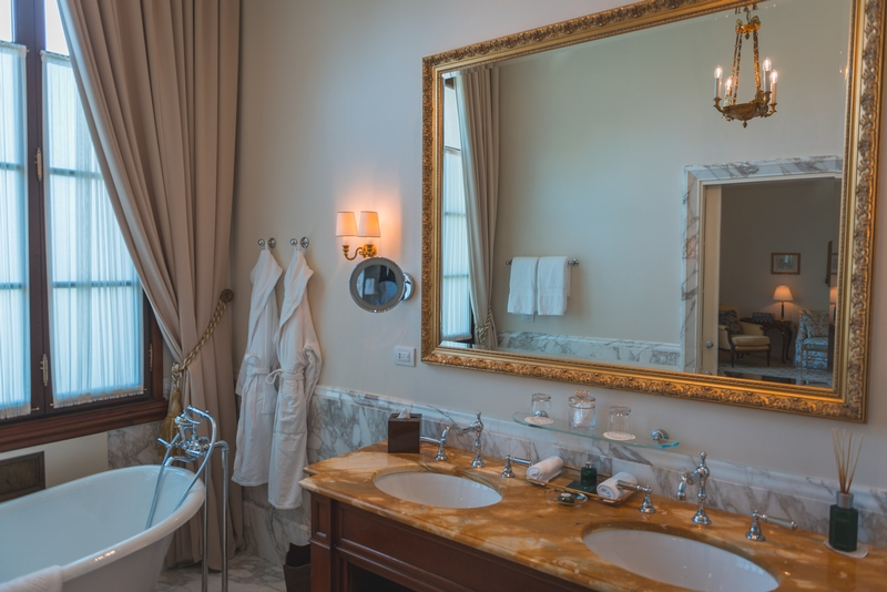 The Bathroom at the Four Seasons Firenze 2