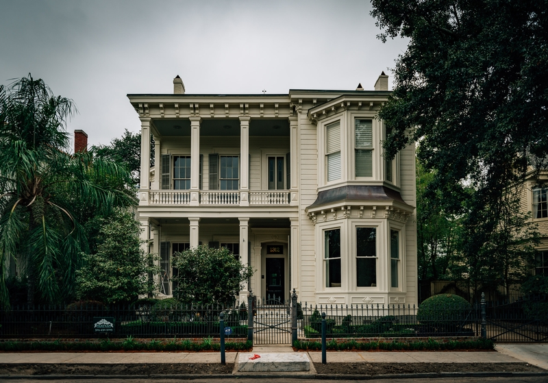 The Haunted Houses of New Orleans 6