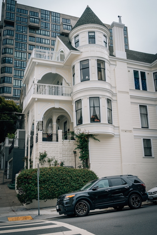 Walking Pacific Heights in San Francisco