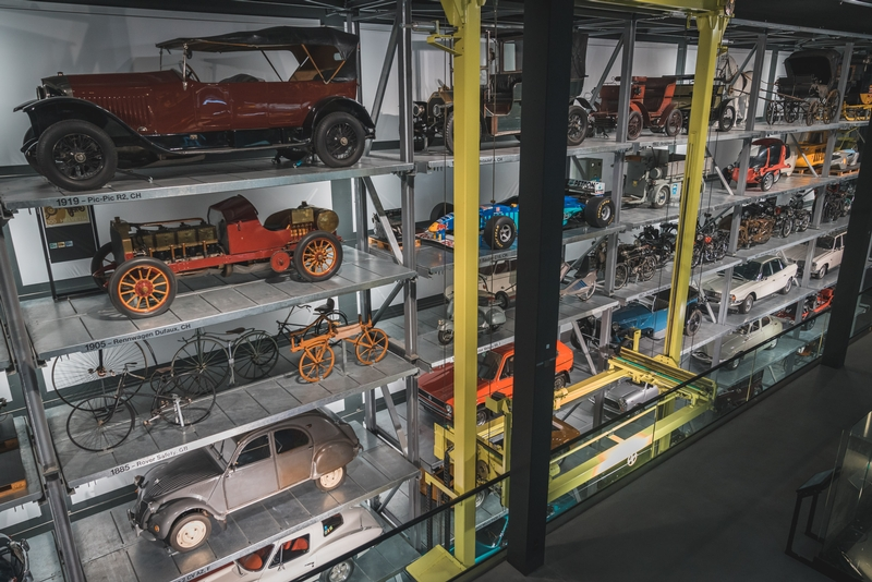 A Gallery of Cars - Swiss Transport Museum